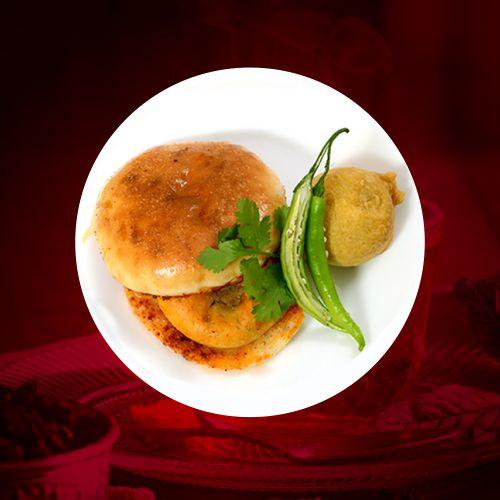 tasty and delicious vadapav in aurangbad